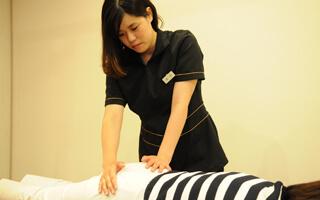 辛い生理痛をどうにかしたい!モアはりきゅう整骨院では辛い痛みを緩和する方法があります!イメージ
